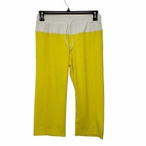 LULULEMON yellow & white step lively crops size 6
